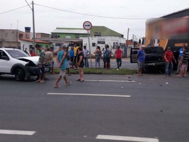 Avenida ficou interditada e já foi liberada para o trânsito (Foto: José Juarez/Arquivo pessoal)