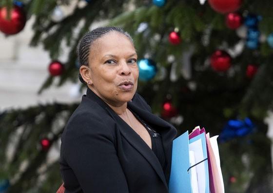 Ministra da Justiça da França, Christiane Taubira, pediu demissão nesta quarta-feira (22) (Foto: AP Photo/Jacques Brino)