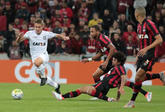 Figueirense x Atlético-PR (Foto: Luiz Henrique/FFC)