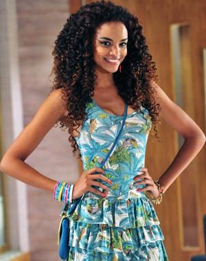 Lucy Ramos veste o figurino sensual de Sheila (Foto: Encontro com Fátima Bernardes/ TV Globo)