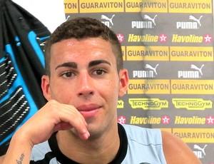Gabriel na entrevista do Botafogo (Foto: Thales Soares / Globoesporte.com)