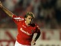 Memória: com show de Sobis e Alex, Internacional aplica goleada no Santos