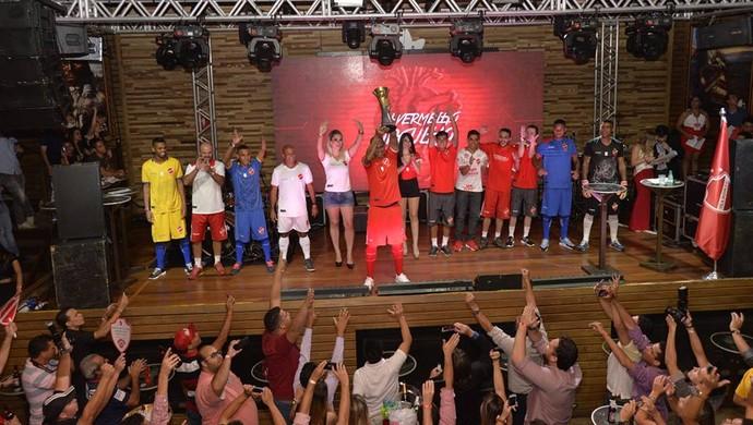 Vila Nova lança nova linha de uniformes (Foto: Divulgação/Vila Nova)