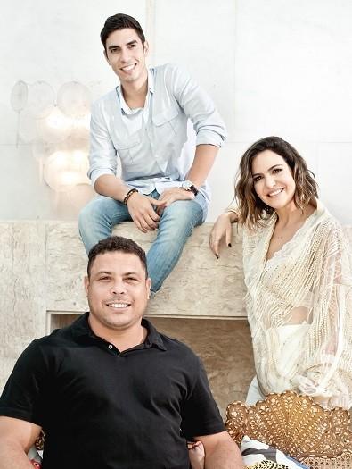 Carol Sampaio com Ronaldo Fenômeno e Gabriel David (Foto: Divulgação)