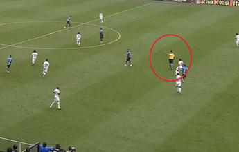 Para comentarista, árbitro chamou Geuvânio, do Santos, para o campo