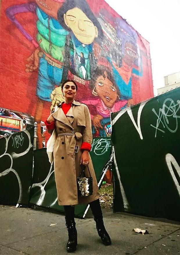 Juliana Paes se despediu de Nova York com um look elegante (Foto: Divulgação / Instagram)