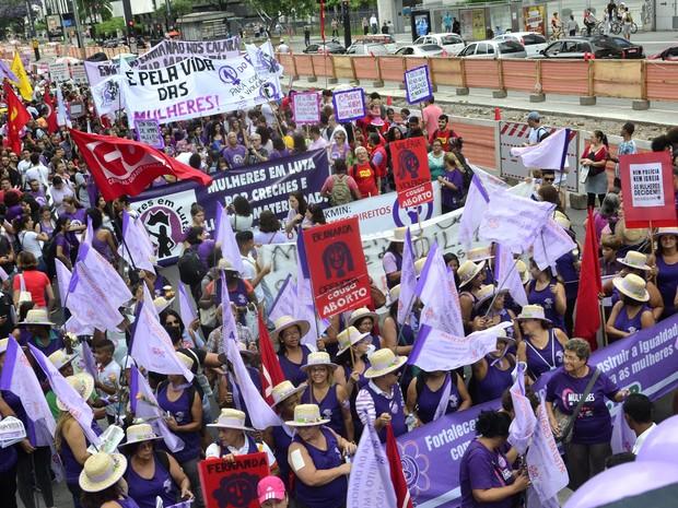 Manifestação pelos direitos das mulheres na Avenida Paulista (Foto: Cris Faga/Fox Press Photo/Estadão Conteúdo)