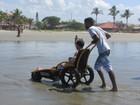 Programa 'Praia Acessível' chega a Itanhaém, SP, e fica até o fim do mês
