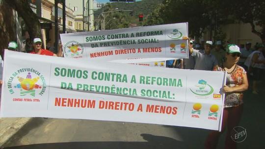 Produtores rurais protestam contra a PEC 287 em Poços de Caldas, MG