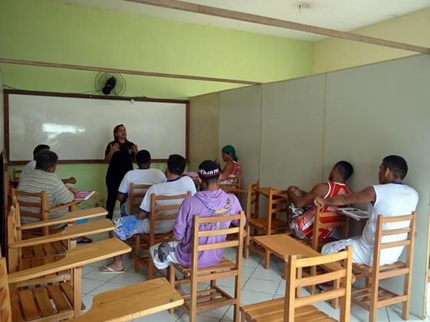 47 detentos em Santarém se preparam para o exame. (Foto: Luana Leão/G1)