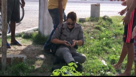 Policial é baleada e tem arma roubada em ponto de ônibus em Cabedelo, PB