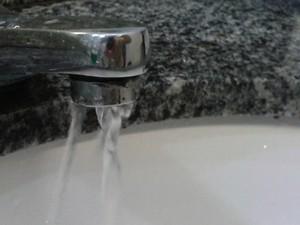 Torneira água (Foto: Paola Fajonni/G1)