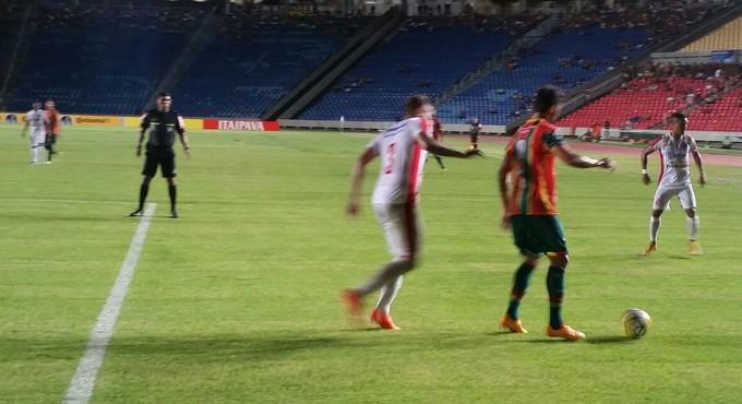 Sampaio e Inter de Lages no Castelão pela Copa do Brasil (Foto: Bruno Alves / GloboEsporte.com)