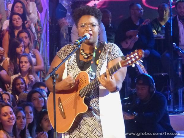 Ellen Oléria canta no TV Xuxa (Foto: TV Xuxa / TV Globo)