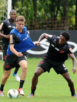 Adryan e Luiz Antonio (Foto: Alexandre Vida / Fla imagem)