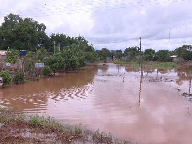 Cidade registra alagamento em vários bairros (Foto: Rede Amazônica/Reprodução)