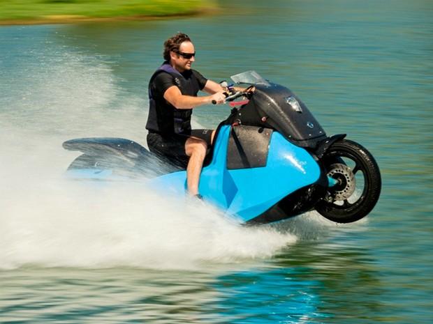 Biski é moto anfíbia que roda na terra e na água (Foto: Divulgação)