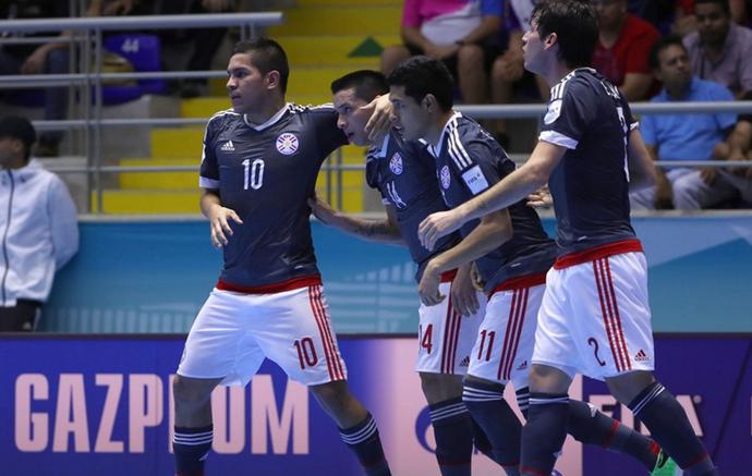 4f528bc86c Paraguai comemora gol no Mundial de futsal (Foto  Getty Images Fifa)