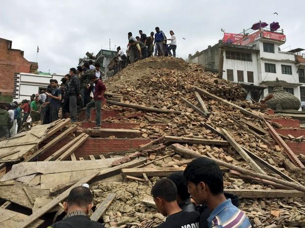 Destruição tomou conta de Katmandu depois do terremoto que atingiu o Nepal (Foto: Navesh Chitrakar/Reuters)