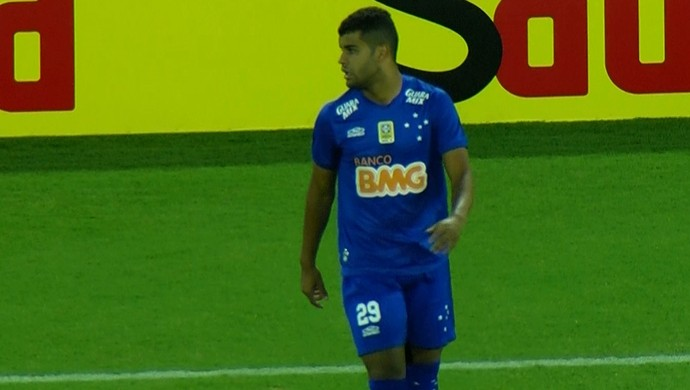 Alisson, meia do Cruzeiro (Foto: Reprodução/TV Globo)