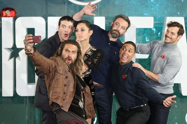 A atriz Gal Gadot durante evento de divulgação em Londres do filme da Liga da Justiça com colegas de elenco (Foto: Getty Images)