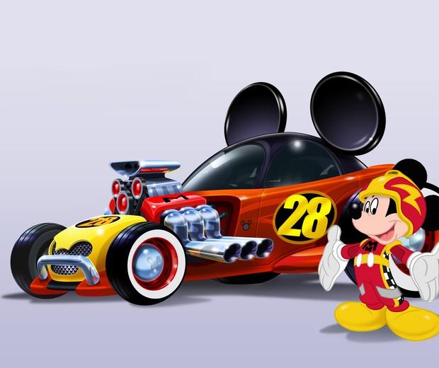 Mickey com seu possante carro de corrida (Foto: Divulgação: Disney)