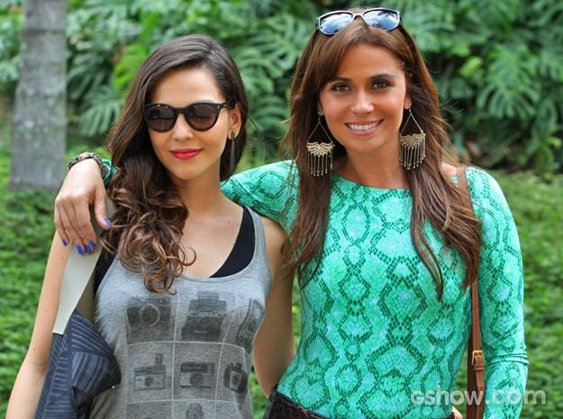 Tainá Müller e Giovanna Antonelli dão vida a Marina e Clara, que vivem uma paixão na novela (Foto: Pedro Curi/ TV Globo)