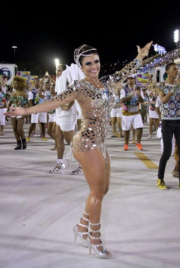 Gabriela Alves, primeira -dama da Vila Isabel (Foto: Divulgação/Divulgação)