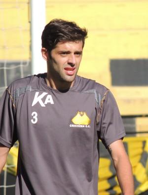 Bruno Mazzuchello lateral Criciúma (Foto: João Lucas Cardoso)