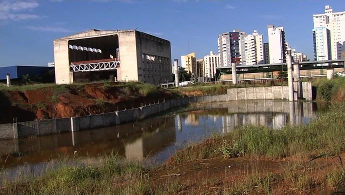 Reforma - Estádio Olímpico - Goiânia 2012 (Foto: Reprodução / TV Anhanguera)