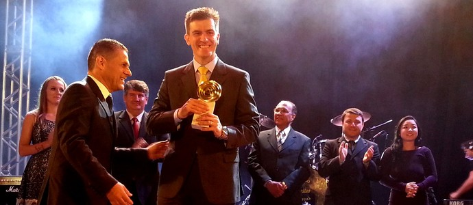 Cássio Rippel, do tiro esportivo, vence o prêmio orgulho paranaense de 2013 (Foto: Fernanda Fraga)