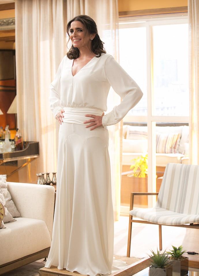 Confira o vestido de noiva delicado e elegante de Rebeca (Foto: Rapahel Dias/Gshow)