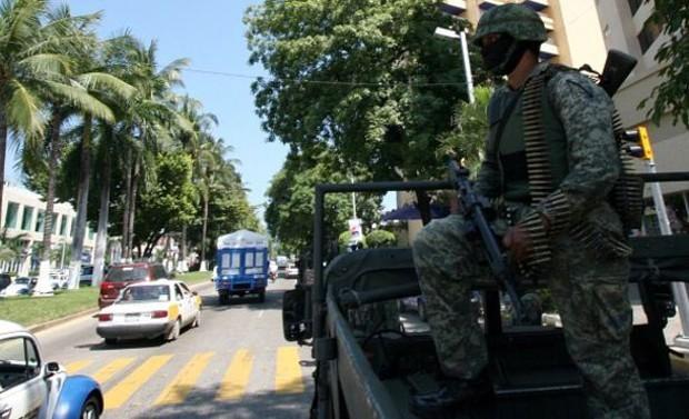 Policiamento é ostensivo em Acapulco  (Foto: BBC Mundo)