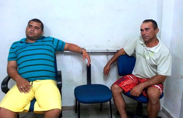 Fábio da Silva Souza, de 23 anos, e Ivanildo da Silva Lima, de 40 anos, negam o crime (Foto: Antonio Coelho/Inter TV Cabugi)