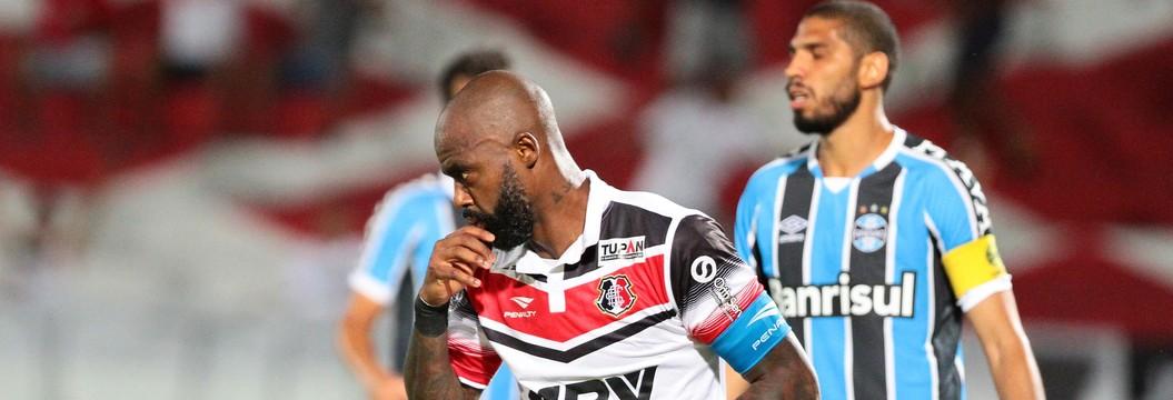 Reservas do Grêmio levam 5 a 1 do Santa Cruz; veja melhores momentos (Marlon Costa / Pernambuco Press)