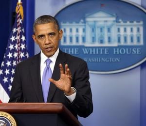 O presidente dos EUA, Barack Obama, sancionou a lei que eleva o teto da dívida pública americana e permite a reabertura dos setores da administração federal que estavam paralisados há 16 dias (Foto: efe/ Martin H. Simon /POOL)