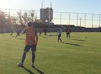 Jogadores fazem primeiro treino no CT do Humaitá (Foto: Eduardo Deconto/GloboEsporte.com)