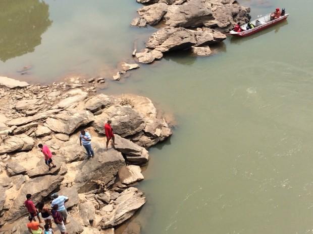 Bombeiros procuram criança que desapareceu às margens de rio de Corumbaíba, Goiás (Foto: Divulgação/Corpo de Bombeiros)