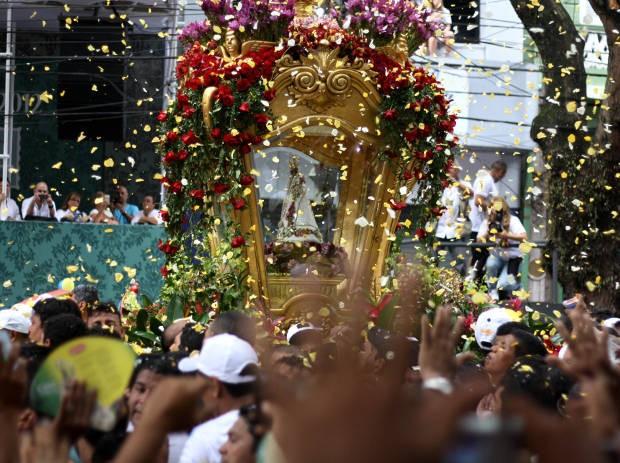 Millhares louvaram Nossa Senhora de Nazaré neste domingo (14), em Belém (Foto: Ingrid Bico/ G1 PA)