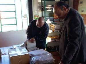 Ministério Público cumpre mandados de prisão e de busca e apreensão (Foto: Claudia Alessi/RBS TV)