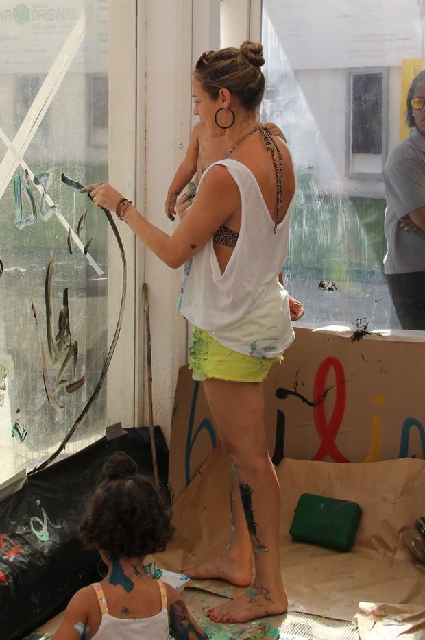 Luana Piovani e filhos em evento (Foto: Wallace Barbosa/AgNews)
