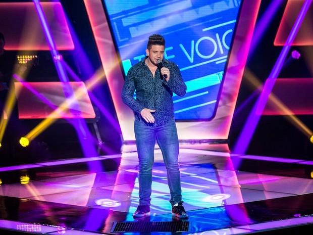 Renan Ribeiro canta sertanejo na Audição do The Voice Brasil (Foto: Isabella Pinheiro/Gshow)