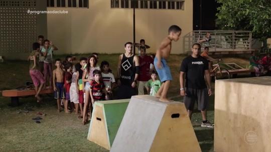 Parkour incentiva movimento radicais entre crianças e adultos