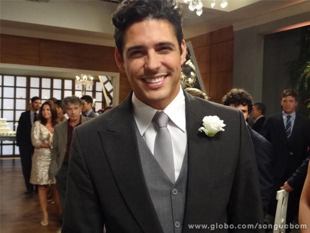 Marlos Cruz como Carlito, noivo de Karmita Lancaster (Foto: Sangue Bom/ TV Globo)
