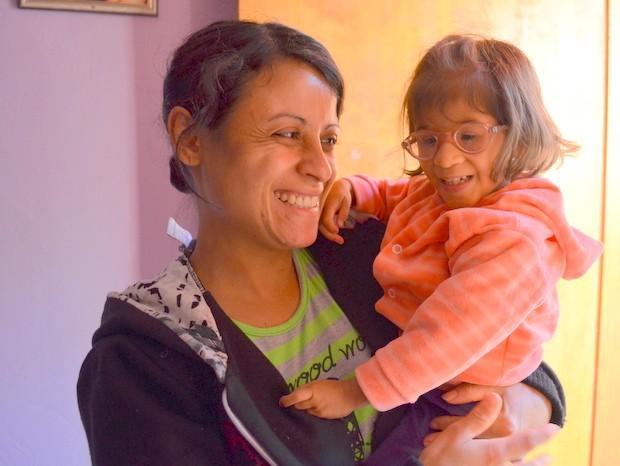 Sua vida é assim que a mãe vê a menina (Foto: Fernanda Zanetti/G1)