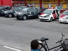 Assalto a supermercado tem tiroteio e deixa dois PMs feridos em Guarujá