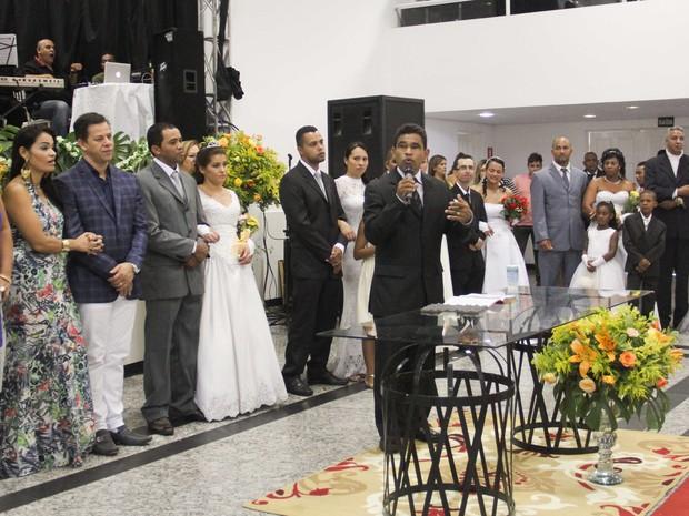Casamento comunitário em Ferraz de Vasconcelos (Foto: Veronica Ribeiro/Secom Ferraz)
