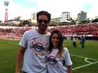 Monique Alfradique e Sérgio Marone prestigiam o Gre-Nal em Caxias do Sul