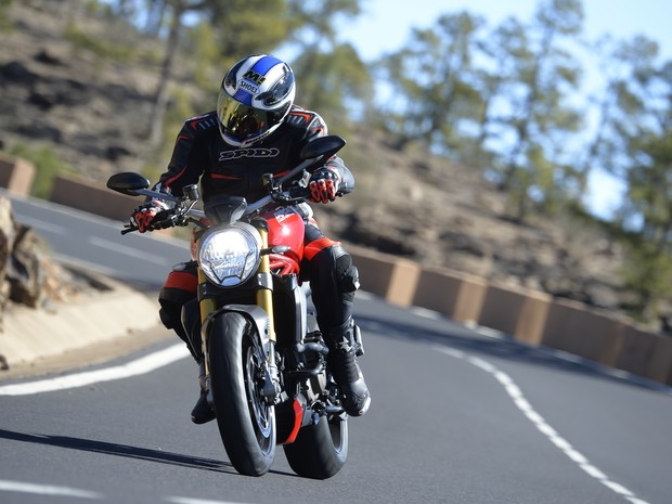 Ducati Monster 1200S (Foto: MILAGRO/divulgação)
