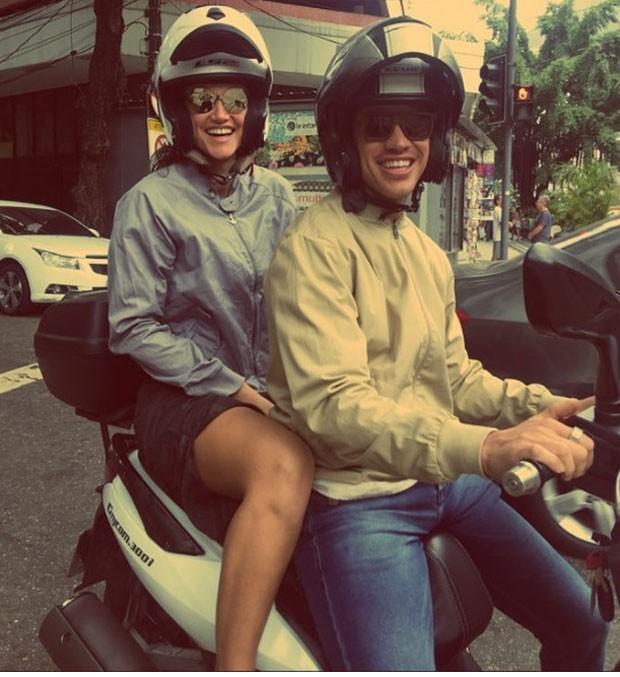 Débora e Loreto: sorriso (Foto: Reprodução Instagram)